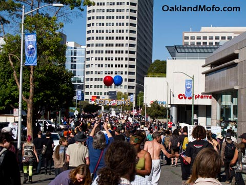 occupy oakland bank protest march