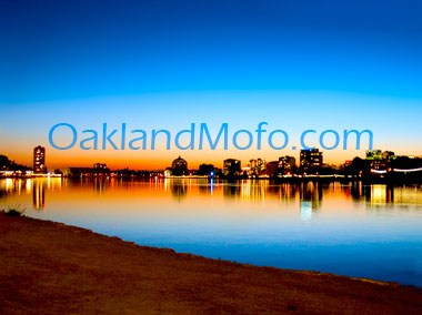 photo of lake merritt at sunset